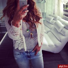 That lace cardigan!!