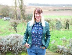 Que pensez-vous de la nouvelle #veste #simili de Julie Gilberte ? Coupe, forme & matière: elle est top ! 25€ #babou