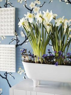 springtime planters: these planters add a lively easter touch to