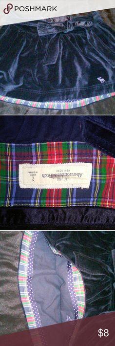 Abercrombie & Fitch velvet skirt Dark blue velvet skirt. Great condition no holes or stains just too big for me Abercrombie & Fitch Skirts Midi