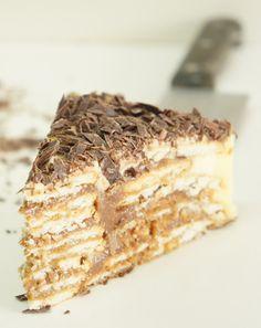O Bolo de bolacha é simplesmente o meu bolo preferido. Adoro a sua frescura...a sua textura...o facto que é crocante e ao mesmo...