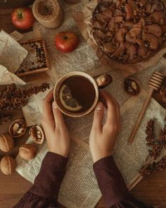 Autumn Aesthetic, Brown Aesthetic, Aesthetic Vintage, Lexa Y Clarke, Cider House, Autumn Cozy, Autumn Tale, Best Seasons, Fall Pictures