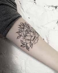 Bildergebnis für feder tattoo am arm