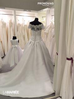 One Shoulder Wedding Dress, Wedding Dresses, Collection, Fashion, Bride Dresses, Moda, Bridal Gowns, Fashion Styles, Weeding Dresses
