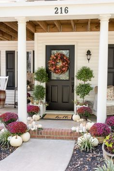 Simple Fall Decor Tips - Red and Plum Fall Mums by Home Stories A to Z #fallinspiration #falldecor Fall Entryway, Entryway Decor, House With Porch, Small Patio, Porch Decorating, Decorating Ideas, Decor Ideas, Girls Bedroom, Diy Bedroom