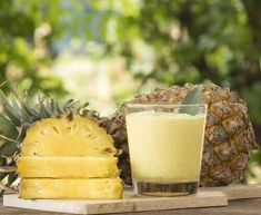 Find healthy superfood protein shake recipes from Combine fruits & vegetables with our Superfood Shake for weight loss smoothies, snacks and more! Advantages Of Pineapple, Benefits Of Eating Pineapple, Pineapple Whip, Mole Removal, Dessert Aux Fruits, Post Workout Food, Superfood, Food And Drink, Healthy
