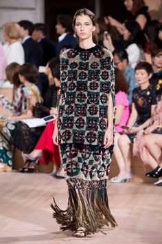 Zoom: Valentino Couture | Upost
