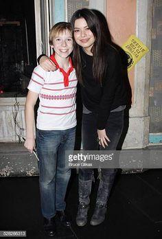 Miranda Cosgrove Visits Billy Elliot The Musical On Broadway Miranda Cosgrove, Billy Elliot, Backstage, Broadway, Musicals, Fotografia, Musical Theatre