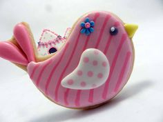 Flour Box Bakery — Little Birdie Birthday Party!  @Suzy Sissons Mitchell Fellow Reeves I want a little girl just so I can give her a birdie birthday party with these cookies.  Who can we convince to use these?
