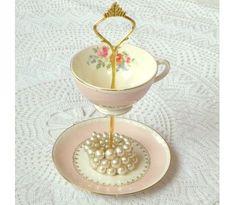 holderness chandelier   Found on plaidparasol.com