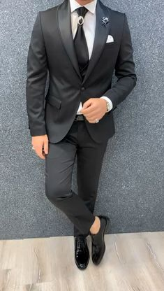 Buy black slim fit groom suit by gentwith com with beautiful hoop decor wedding ideas with smoke bombs a moongate Slim Fit Tuxedo, Tuxedo For Men, Slim Suit, Indian Men Fashion, Mens Fashion Suits, Mens Suits Style, Groom Fashion, Men's Fashion, Business Casual Jeans