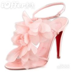 "LOVE!!  REMINDS ME OF ""CARRIE BRADSHAW"" SHOES"