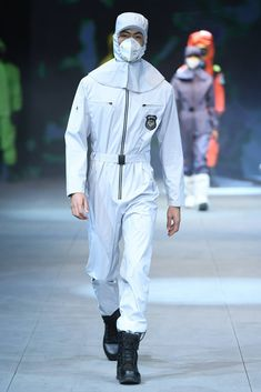Male Fashion Trends: Safety Protection Design by SWOTO - Mercedes-Benz Fashion Week China Purple Fashion, China Fashion, Space Outfit, European Dress, Male Fashion, Fashion Trends, Work Wear, Menswear, Glamour
