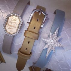 Slides and buckles on satin straps, tons of possibilities to make a bracelet uniquely your own.