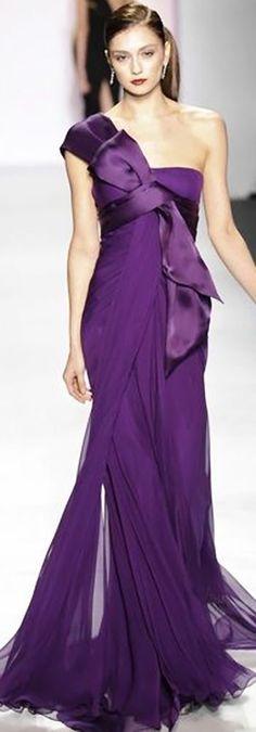 Pamella Roland at New York Fashion Week Fall 2010 - Runway Photos Vestidos Fashion, Fashion Dresses, Purple Fashion, Look Fashion, Female Fashion, Fashion Tips, Beautiful Gowns, Beautiful Outfits, Elegante Jumpsuits