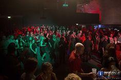 Bilder von Alles Salsa im DOMiMBERG  Ismael #Barrios #Salsa Explosion füllte den #Dom im Berg in #Graz mit Latin Music. Salsa Explosion ist Rhythmus, eine Band, die mit Ismael Barrios zu Höhenflügen mitreißt. Salsa pur, ein rhythmisches Farbenspiel im #DOMiMBERG, das wir mit Fotos festgehalten haben.  Die von Ismael Barrios kreierte Band zauberte knisternde #Erotik in die Luft, die aus Venezuela stammende, in Milano lebende D-Jane #Lady #Vega wartete zusätzlich mit top-aktuellen Salsa Tunes…