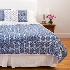 Twin Bed Sets With Comforter Queen Bedding Sets, Comforter Sets, Grey Comforter, Cheap Bed Linen, Indian Bedding, Indian Block Print, White Duvet Covers, Bed Linen Design, Cool Beds
