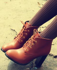 Lace Up Retro Ankle Boot
