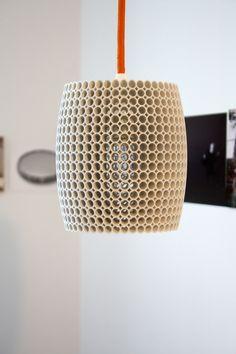 3D gedruckte Hängelampe mit Korallenstruktur // 3D printed hanging lamp with coral structure by Wunderlampe3D via DaWanda.com