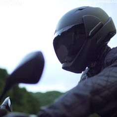 This Smart Motorcycle Helmet is packed with amazing features that can make your rides smoother and safer. The most impressive feature of all is the range of view the helmet gives you. Smart Motorcycle Helmet, Custom Motorcycle Helmets, Futuristic Motorcycle, Moto Bike, Motorcycle Accessories, Motorcycle Equipment, Women Motorcycle, Street Bike Helmets, Custom Helmets