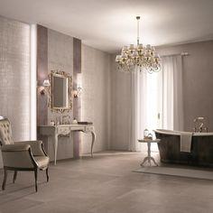 Un #bagno elegante progettato accostando sapientemente tonalità e decori della collezione SECRET #abkemozioni. #wall #tiles Natural e Natural Opus #decoro Luxury Beige e Opus Malva. #floor DOCKS Warm di ABK. #ceramic #bathroom #homedesign