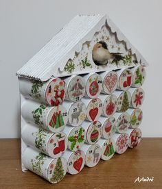 Advent calendar, always with cardboard tubes and served collage - Weihnachtsdeko draussen ☃️ - Christmas Projects, Holiday Crafts, Christmas Holidays, Christmas Decorations, Christmas Ornaments, Wooden Advent Calendar, Diy Calendar, Calendrier Diy, Advent Calenders