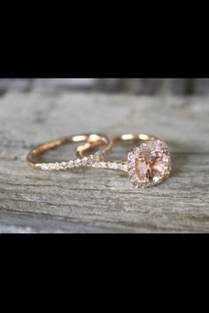 Beautiful rose gold engagement ring and wedding band