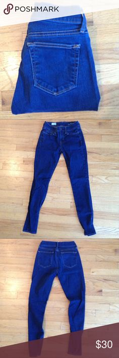 Dark Wash Gap Jeggings Mid rise jeggings from Gap. Slightly worn but still in good condition. Bundle up or feel free to leave me an offer! GAP Jeans Skinny