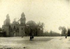 Iglesia de la Recoleta en Cajamarca cuando aún estaba en un descampado lejos de la ciudad.