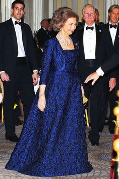 Queen Sofia of Spain is honored during a ceremony by the Spanish Institute at the Waldorf Astoria Hotel, 19.11.13, in New York.