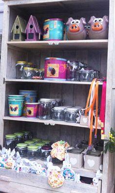 Scaffale di primavera Bar Cart, Furniture, Home Decor, Spring, Decoration Home, Room Decor, Home Furnishings, Home Interior Design, Home Decoration