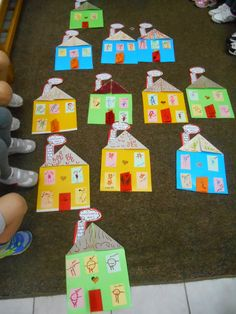 House craft for kindergarten - who is in my family Kids Crafts, Home Crafts, Diy And Crafts, Craft Projects, Class Activities, Family Activities, Peach Rooms, Early Years Classroom, Little Pigs