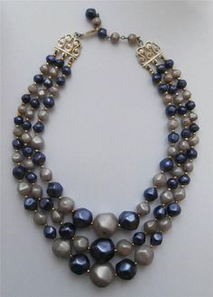 Vintage Early 1960 s Rockabilly 3-String Purple & Lilac Pearlised Bead Necklace