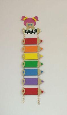 Colors craft for preschoolers Preschool Color Crafts, Preschool Classroom, In Kindergarten, Preschool Activities, School Board Decoration, School Decorations, Art N Craft, Craft Work, Diy And Crafts