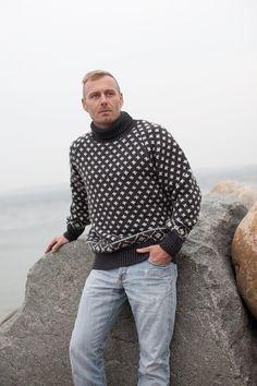 Islandske sweaters i ren uld fra Norwool Icelandic Sweaters, Wool Sweaters, Sweater Shop, Men Sweater, Polo Neck, Knitted Shawls, Unisex Fashion, Knitwear, Men Casual