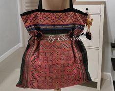 Hmong Hobo Shoulder Bag Handmade with Hand Dyed Hemp Boho Pink Dye, Tribal Bags, Ethnic Bag, Batik Prints, Vintage Fabrics, Boho Chic, Hand Heart, Cotton Fabric, Vintage Fashion