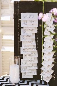 black shutter to hold escort cards