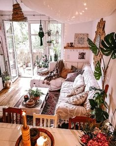 Modern Bohemian Bedrooms & Home Interior Decor Ideas: With the passage of time the demand and trend of the bohemian home decoration has been becoming the main talk of the town. Budget Home Decorating, Home Improvement Loans, Living Spaces, Living Room, Interior Exterior, Online Home Decor Stores, Online Shopping, My New Room, Wabi Sabi