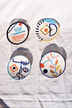 4 Different Designs Dimensions : 2 cm x 17 cm Handmade in Marrakech, Morocco Terracotta Clay Hand-painted by Laurence *Colours may vary slightly from the image online/actual product. Small Plates, Plate Sets, Marrakech, Terracotta, Coasters, Porcelain, Clay, Pottery, Hand Painted