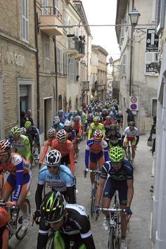 The peloton winds through Offida at the start of Stage 6 of the 2012 Tirreno-Adriatico
