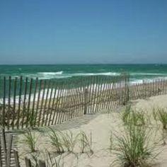 You May Be Wandering: Island Hopping - Nantucket, Massachusetts Nantucket Beach, Nantucket Style, Nantucket Island, Seaside, Beach Honeymoon Destinations, Honeymoon Spots, Vacation Spots, Dream Vacations, Great Places