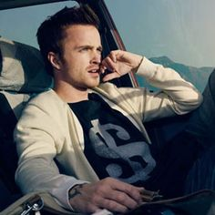 Aaron Paul as Jesse Pinkman in Breaking Bad. The best show on television? The only show I watch faithfully? Breaking Bad Jesse, Breaking Bad Seasons, Jesse Pinkman, Johnny Depp, Breking Bad, Need For Speed Movie, Beautiful Men, Beautiful People, Minimalist Movie Posters