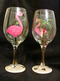Pink Flamingo Set of 2 Hand Painted Wine Glasses Painting Glass Jars, Bottle Painting, Bottle Art, Glass Art, Painted Wine Bottles, Hand Painted Wine Glasses, Decorated Bottles, Wine Glass Crafts, Wine Bottle Crafts