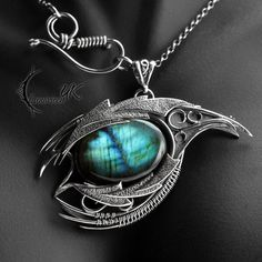 ARHZNAR DRACO (dragon's eye) - silver and labradorite.
