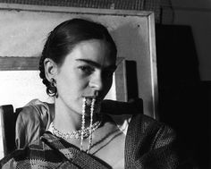 Frida Kahlo by Lucienne Bloch, 1932 f