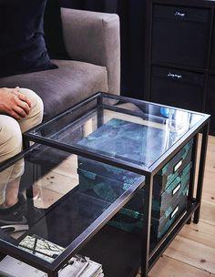 Potpourri i svíčky na navození atmosféry budou vždy po ruce, když je budete ukládat do krabic TJENA.
