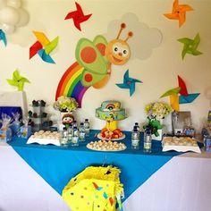 Resultado de imagen para piñata baby tv First Birthday Parties, 3rd Birthday, First Birthdays, 1st Bday Cake, Tv, Baptism Party, Ideas Para Fiestas, School Themes, Birthday Decorations