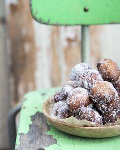 Doughnuts for the spring. http://www.jotainmaukasta.fi/2016/04/28/vappuherkkuja/