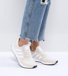 ADIDAS ORIGINALS ADIDAS ORIGINALS SWIFT RUN SNEAKERS IN CREAM WITH WHITE STRIPE - CREAM. #adidasoriginals #shoes #