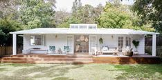 Stylish and inspirational video from Zanui in collaboration with Three Birds Renovations. Different Types Of Houses, Airbnb House, Three Birds Renovations, Hamptons Style Homes, Home Exterior Makeover, House Front Design, Backyard Garden Design, Beach Shack, Dream House Exterior